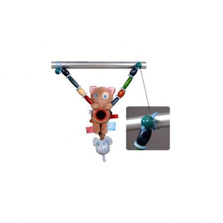 Zabawka do wózka firmy Snoozebaby - dzięki gumce z łatwością zaczepisz ją na gondolę wózka czy na fotelik samochodowy