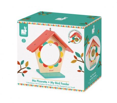 Zabawka zapakowana jest w ładne pudełko