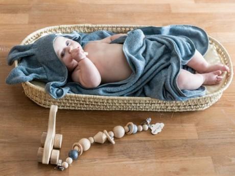 Ręcznik bambusowy z kapturkiem i uszami kolor niebieski 100x100 Bamboom