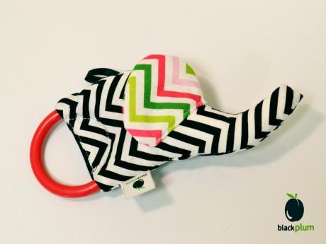 Słoń Trąbalak | kontrastowa zabawka do chwytania | Black Plum