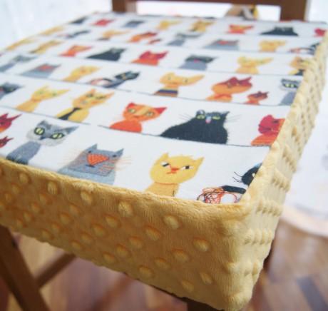 Poduszka na krzesło dla dziecka | A JA MAM KOTA mango | Lela Blanc