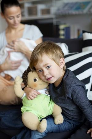 Lalka Rubens Barn Baby pomaga dziecku gdy na świecie pojawi się malutka siostra lub braciszek.