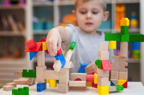 Klocki Kooglo dają o wiele więcej możliwości budowania, niż te tradycyjne