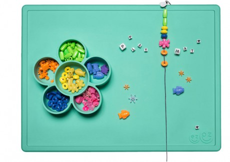 Silikonowa mata do zabawy z pojemniczkami | miętowa | EZPZ Flower Play Mat