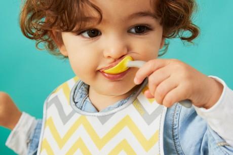Pierwsze sztućce do nauki samodzielnego jedzenia | B.BOX