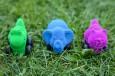 Rubbabu sensoryczne mikro zwierzątka-pojazdy