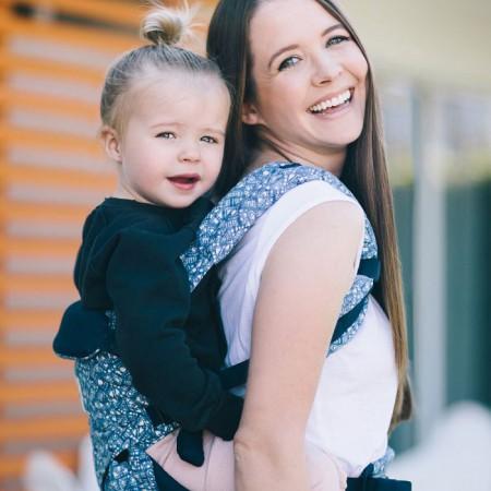 Nosidło Omni rośnie wraz z dzieckiem